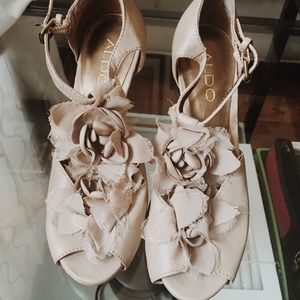 Barely worn Aldo Nude leather floral heels.